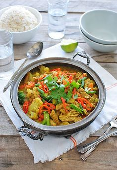 Slow Cooker Coconut Curry Ginger Chicken