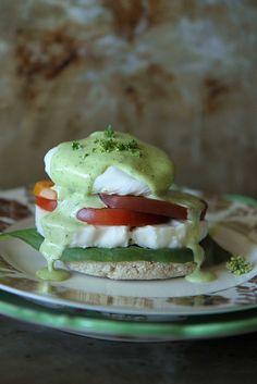 Caprese Eggs Benedict with Basil Hollandaise (use KinniKinnick #glutenfree english muffins) | #vegetarian