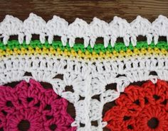Crochet edging tutorial: spring leaves - Happy in Red