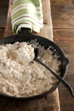 Paula Deen Sawmill Gravy-Check out my Biscuit and Breads Board for an idea to pair this yummy gravy with!