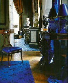 """Madeleine Castaing: Apartment on 21, rue Bonaparte, Paris 