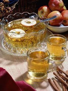 Apple Cider Vinegar Drink Recipe for weight loss - 3 tsp organic apple cider vinegar, 2 tsp of organic honey, chamomile tea or water and cinnamon (can also be added for the flavor and natural sweetness).