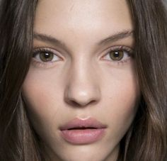 au natural, makeup tricks, natural makeup looks, bigger eye, eye makeup tips, lip colour, natural looks, makeup contouring, natural beauty