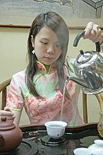 all about tea steeping temperatures and times for white/yellow, black, green, and oolong tea