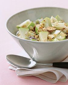 healthy breakfast: muesli with apple and almonds