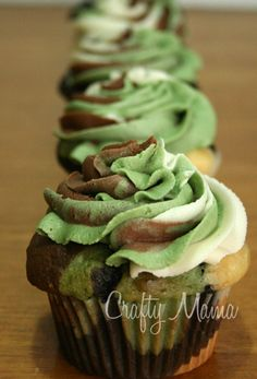 Camouflage Cupcake #cupcakes #cupcakeideas #cupcakerecipes #food #yummy #sweet #delicious #cupcake