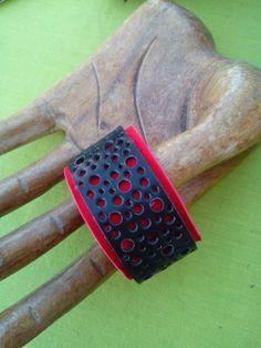 Leather bracelet handmade; bracciale in pelle e cuoio lavorato a mano, prezzo 8€ lapellechevale.blogspot.com