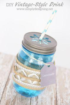 How to Make a Vintage-Style Drink Holder with Ball Mason Jars + Free Printable Drink Label | #masonjar #springhoa #hoa #vintage #wedding #bbq #party #freeprintable #free