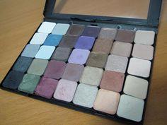 DIY Eyeshadow palette with DVD case :O | LUUUX