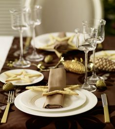 Styling a Modern Christmas Table | Madame Bonbon Archex inspiration www.archex.ca