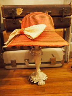 lady sybil hat - coral
