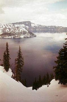 Crater Lake, Oregon, USA. •´¯`•.¸¸.♡ #landscape