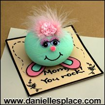 """Mother's Day Craft - """"Mom, you rock"""" rock paper weight"""