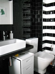 Ba os on pinterest 20 pins for Bano gris blanco y negro
