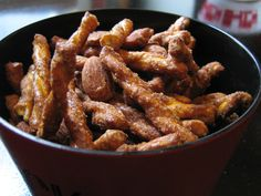 snack attack: spicy-sweet glazed pretzels and nuts   Everybody Likes Sandwiches