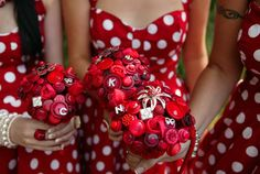 Polka dot bridesmaids dresses with button bouquets