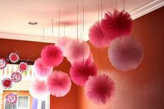 Pompones de tul para tu boda // Tulle pompoms for your wedding