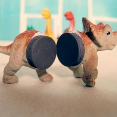 Toy Dinosaur: Photo Holder/Magnets