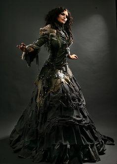 Incredible Idris-style steampunk dress.