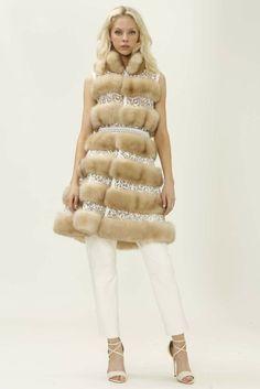 Dennis Basso Resort 2015 - Slideshow - Runway, Fashion Week, Fashion Shows, Reviews and Fashion Images - WWD.com