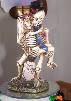 Funny wedding cake topper. It can be excellent for a Halloween Wedding. wedding cake toppers, idea, christmas cakes, cake decor, wedding cakes, halloween weddings, skeleton, amaz cake, cake art