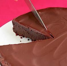 Recipes, Dinner Ideas, Healthy Recipes & Food Guide: Flourless Chocolate Cake