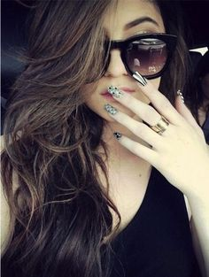 Khloe Kardashian Nails | Khloe Kardashian - Wild Wednesday - Geometric Nails