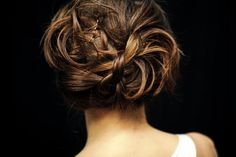 messy updo - looks pretty simple to recreate