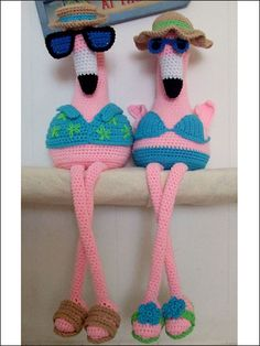 Floyd and Floral Flamingos / Crochet Pattern (i really need to learn to crochet!)    Something my girlfriend could send to her mom in Florida!! :)