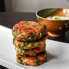 BROCCOLI CHEESE FRITTERS (EGGLESS) WITH YOGURT DIP - WOne of the great way to nosh these broccoli is by tossing them with a bit of flour, garlic, good cheese, spices and sizzle them in oil. You can serve them with sour cream/yogurt dip with chopped scallions and squeeze of lemon. #relishthebite #quickandeasy #breakfast #cheesy #cheese #fritters #yogurt #foodporn #foodie #foodpic #foodrecipe #recipes #breakfastrecipes #blog #blogger #follow #like #broccoli #healthy