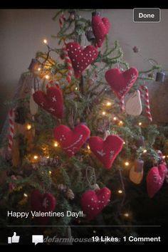 Primitive Valentine Decor