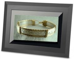 electronic-picture-frame-with-jewelry-photos-21269939