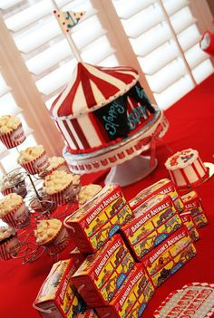 Circus Birthday Party. thinking im going to do a circus theme for my baby love since he seems to LOVE animals and circus acts and unfortunately clowns -_-