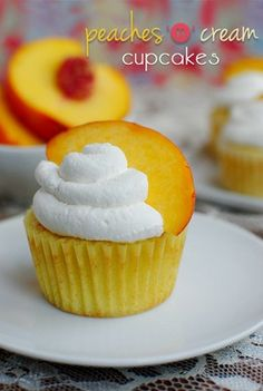 Peaches-n-Cream Cupcakes