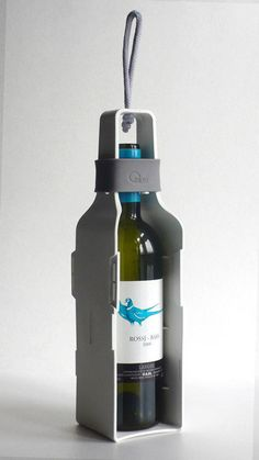 interesting way to wrap the wine bottle