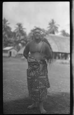 Title: Portrait of man wearing traditional Samoan skirt. Creator/Contributor: Lambert, Sylvester Maxwell, 1882-1947, Photographer Date:between 1919 and 1939 Contributing Institution: UC San Diego, Mandeville Special Collections Library