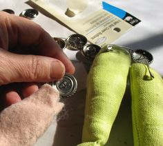 How to sew a hidden button joint.