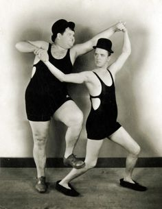 ♥ Stan Laurel - English (1890–1965) and large Oliver Hardy - American (1892–1957). S)