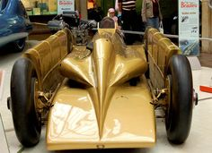In March 1929, Segrave set his final land speed record in Golden Arrow, again at Daytona Beach, reaching 231.45 mph (372.46 km/h):    WhatnotGems