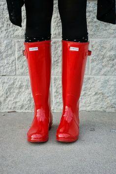 rain boots hunter red, hunter rain boots red, closet, hunter boots red, red rain boots, fashion how tos, red hunters, hunter rain boots outfit, red hunter boots
