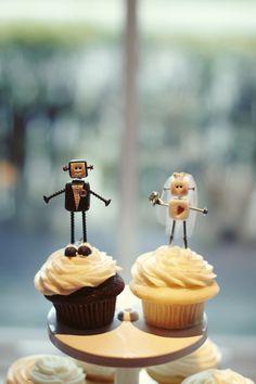 adorable wedding cupcakes