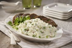 No matter the season, Baby Red Mashed Potatoes & Peas are a great accompaniment to this recipe for Spring Meatloaf. Get recipe here: http://idahoan.com/recipes/baby-red-mashed-potatoes-peas-with-spring-meatloaf/