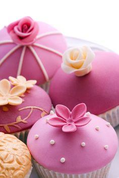 color, cupcake party, wedding cupcakes, pink weddings, flower cupcakes, pink cupcakes, flowers, parti, fondant cupcakes