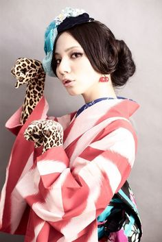 最新のヘアスタイル 髪型 巻き : Kimono Gloves