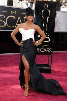 Kelly Rowland looked ultra-sophisticated in black and white Donna Karan Atelier at the 2013 Oscars
