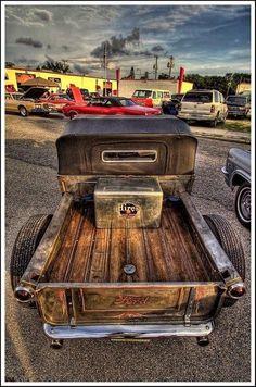 cool vintage Ford pick up  - Zeckford.com #ZeckFord #ThrowBackThrusday