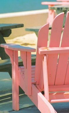 it a Pink Beach Chair sitting on the beach