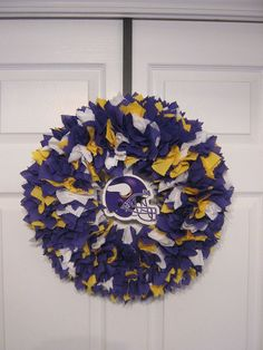 14 Minnesota Vikings Fabric WreathPicture displays how by burt7