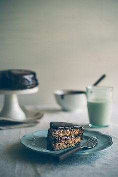 Hazelnut Meal Chocolate Cake (grain, dairy and refined sugar free)
