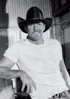 Trace Adkins. He's right, ladies love country boys!!